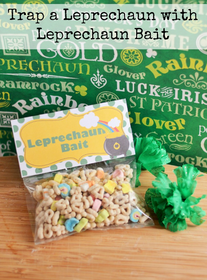 Leprechaun Bait makes a great St. Patrick's Day Class Treat! Grab this free printable and whip up this easy idea!