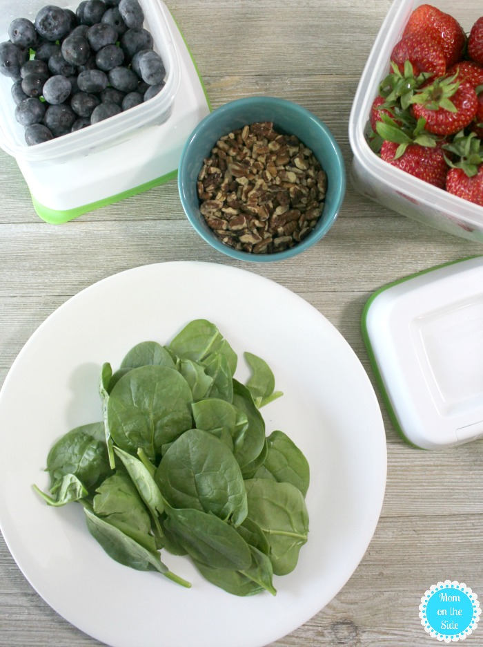 Berry Pecan Salad with Spinach