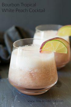 White Peach Cocktail - Yummy Spring Cocktails