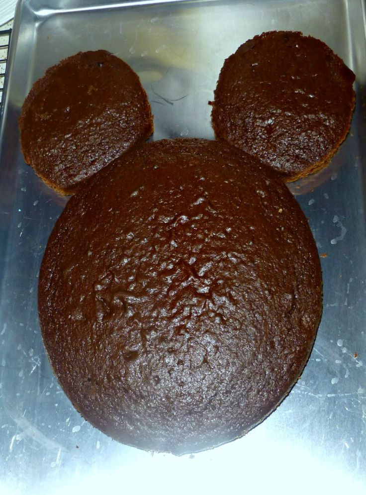 Mickey Mouse Clubhouse Themed Birthday Party to Show of your Disney Side! This Mickey Mouse Cake is a great first birthday cake for twins too!