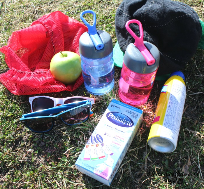 Keep Family Hydrated with a DIY Hydration Kit