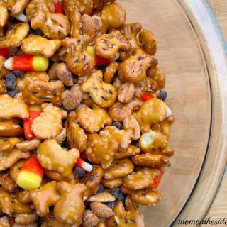 Fall Favorites Snack Mix