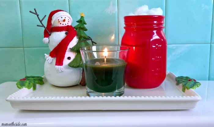 Small Bathroom Holiday Style in 4 Simple Steps