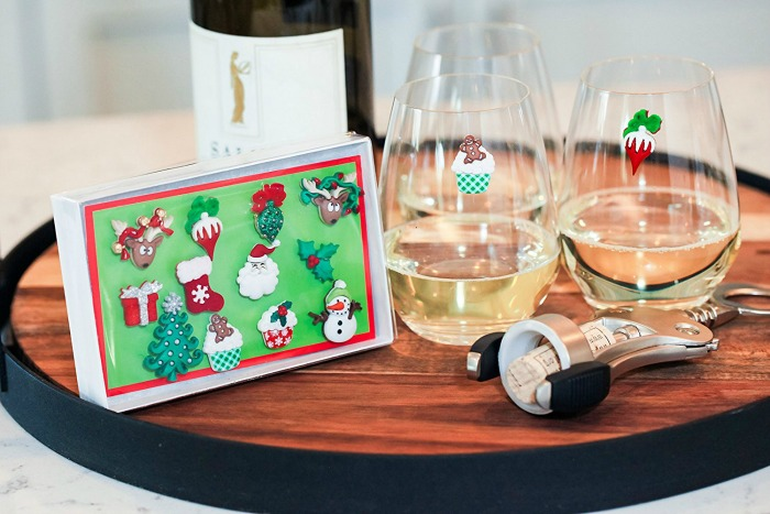 Delightful Things Wine Lovers Want For Awesome Holiday Parties