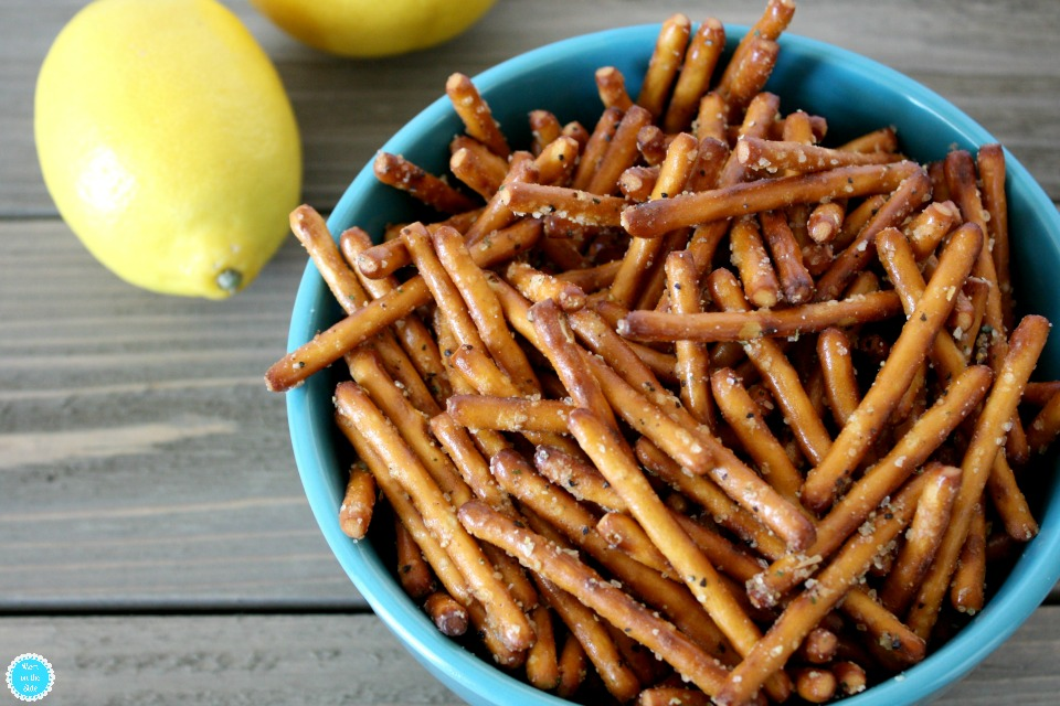 Flavored Pretzels with Lemon Pepper