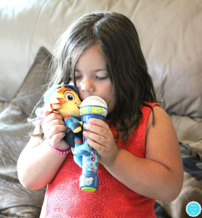 Ultimate Beat Bugs Toys Guide: Microphone