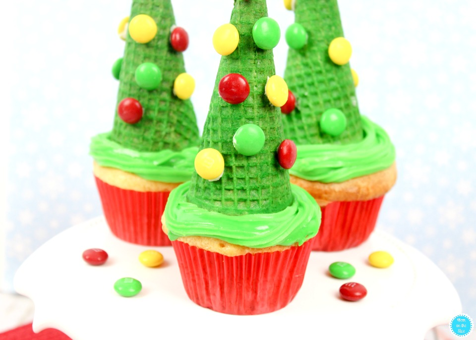 Fun Christmas Dessert For Kids: Christmas Tree Cupcakes