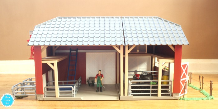 What Comes with Schleich Farm World Large Red Barn