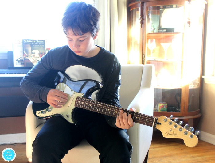 Growing a Love for Music with Fender and Fender Play at Home