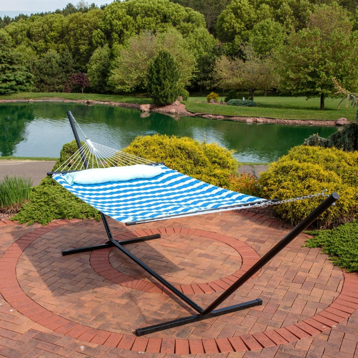 Relaxing Hammock: Gift Ideas for Garden Lovers