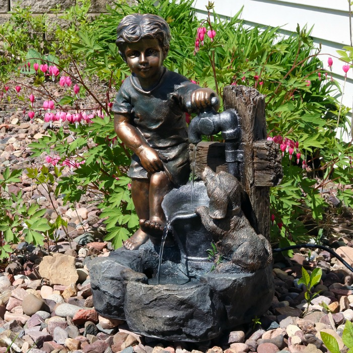 Garden Fountain: Great Gift Idea for Gardeners